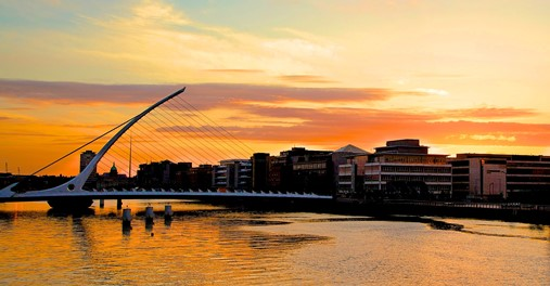 Sunrise-over-the-River-Liffey-in-Dublins-Silicon-Docks-district