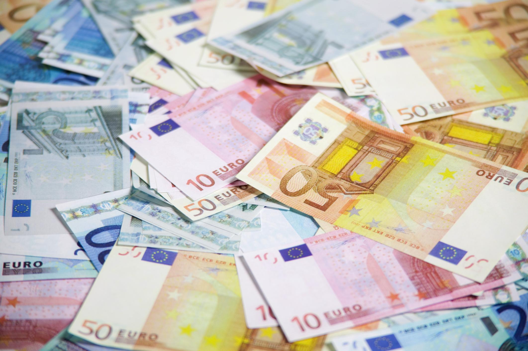Quelle est l'entreprise au plus gros chiffre d'affaire ? Qui a la plus grosse... somme d'argent dans son compte en banque ?