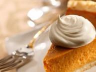 baking-pumpkin-pie