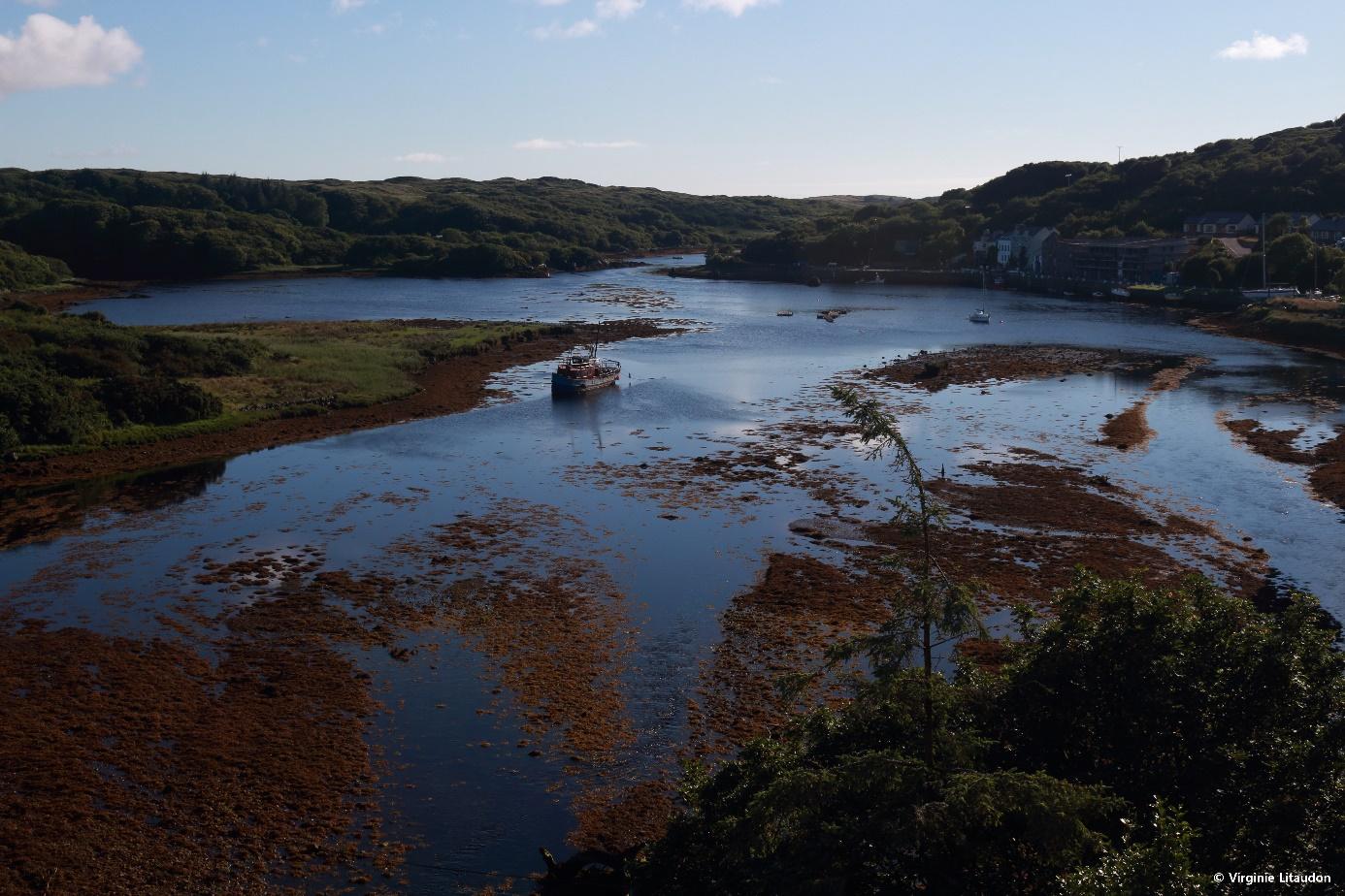 Crédit photo : Virginie Litaudon, Le paysage « lunaire » du port de Clifden au Connemara