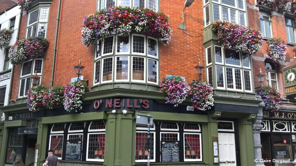 O'Neills, connu pour ses spectacles de danse traditionnelle et son architecture escarpée Crédit photo : Claire Dargaud