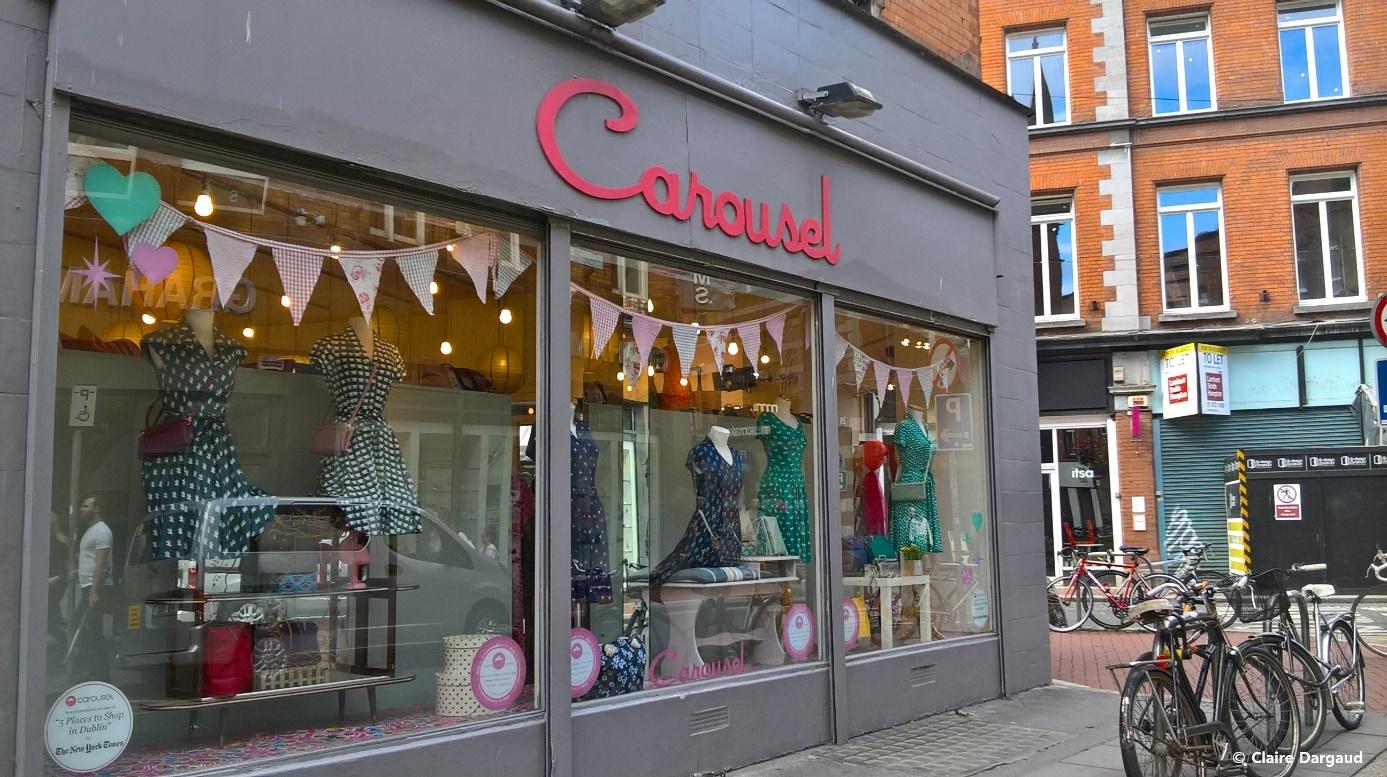 Crédit photo : Claire Dargaud Carousel sur Exchequer Street, Dublin 2 et en ligne : https://www.ilovecarousel.com/