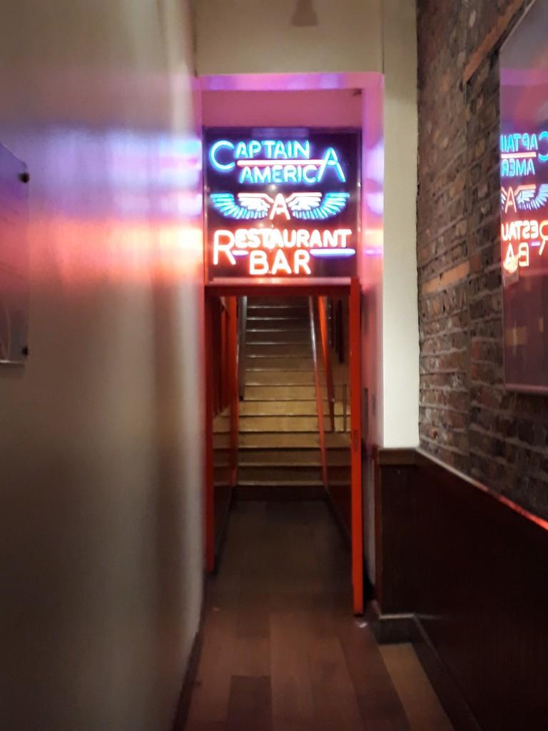 Petite entrée sur Grafton Street, qui ne laisse pas imaginer ce qui se cache en haut...